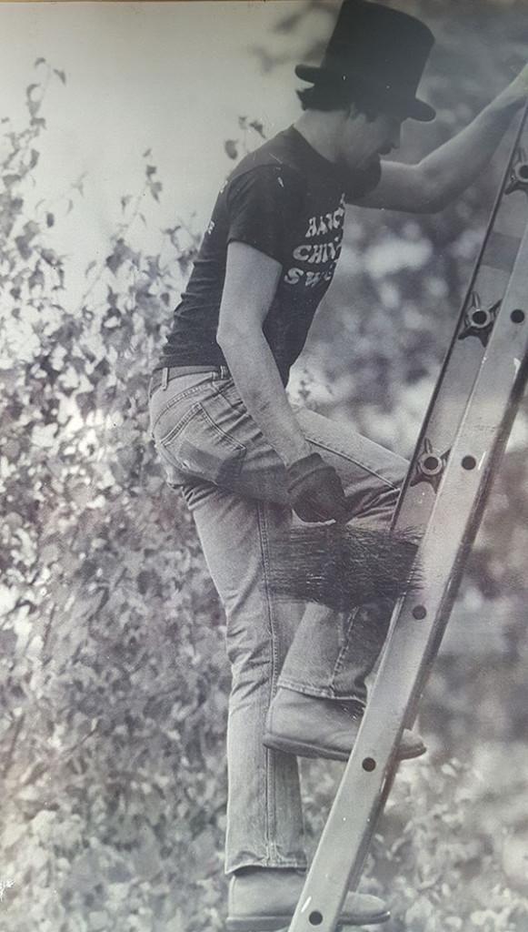 Hancock_Chimney_vintage_on_ladder